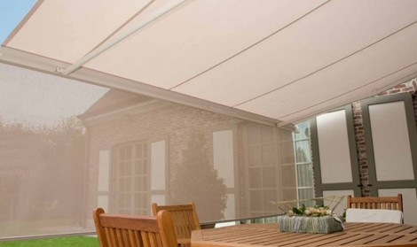 awning with valance