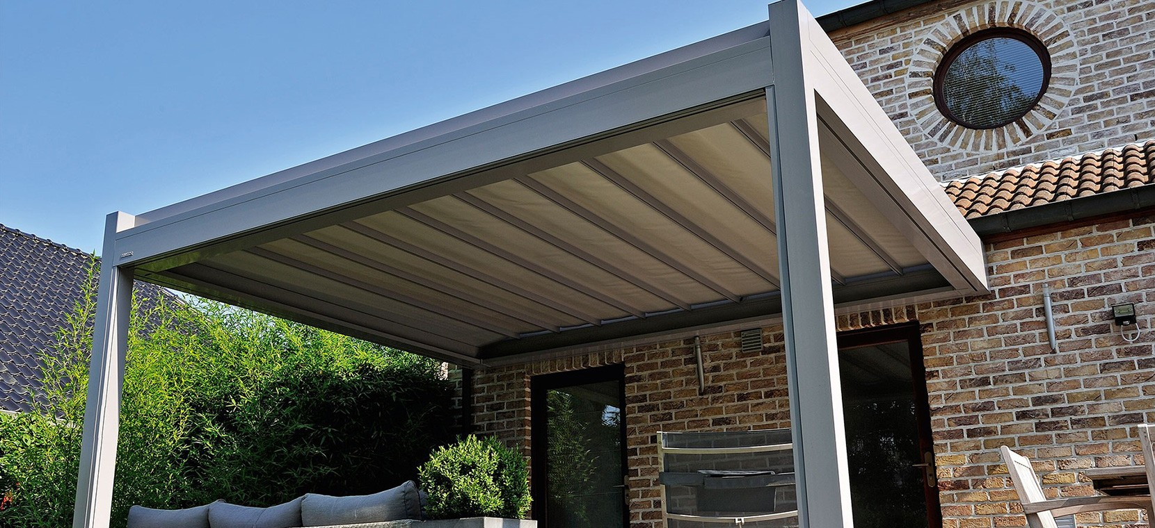 Patio cover lean-to louvered roof