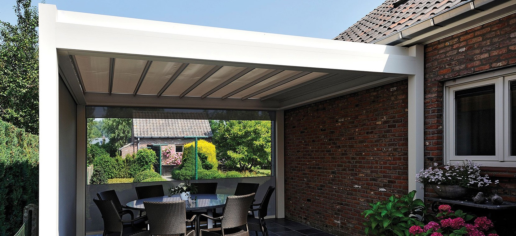 Lean-to patio cover with louvred roof