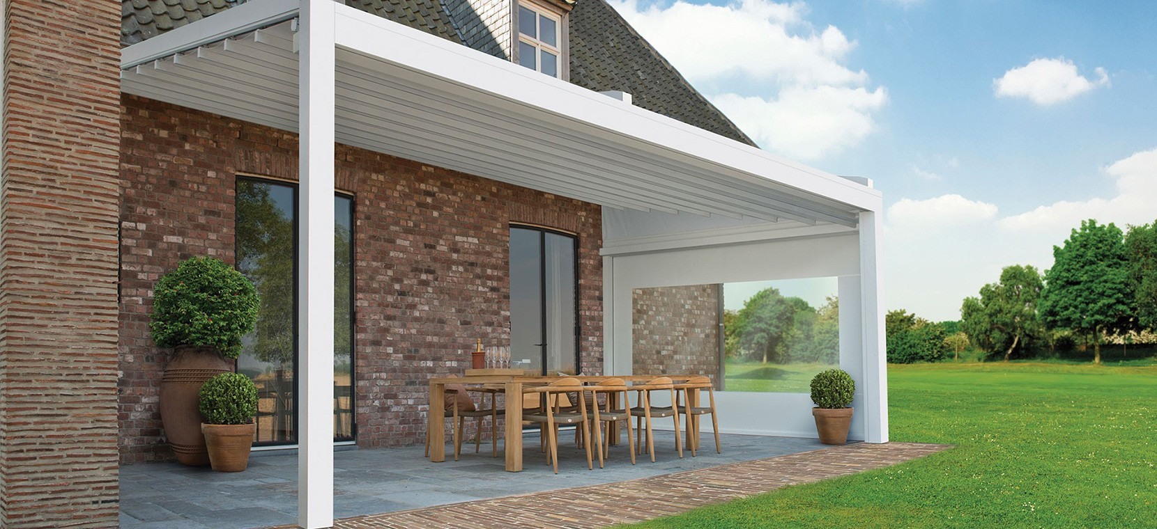 Lean-to patio cover with sliding roof